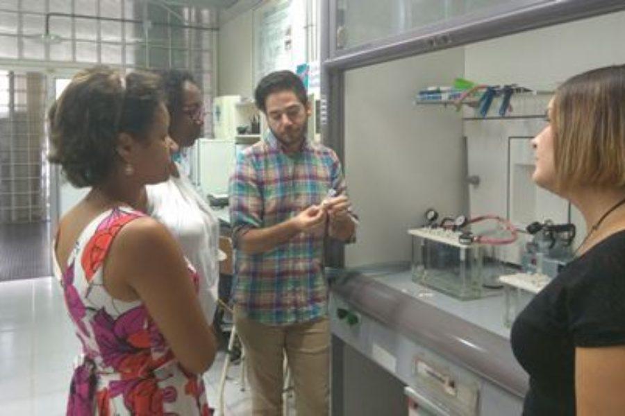 Jornadas de preparación de muestras y análisis de residuos de fármacos en aguas para profesoras de la Universidad de Cabo Verde