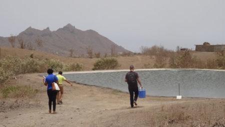 Muestreo en las Depuradoras de Santa Catarina y Santa Cruz (Isla de Santiago) para evaluar su rendimiento en el tratamiento de aguas residuales
